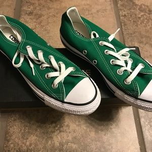 CONVERSE GREEN SHOES SIZE 6 WOMENS